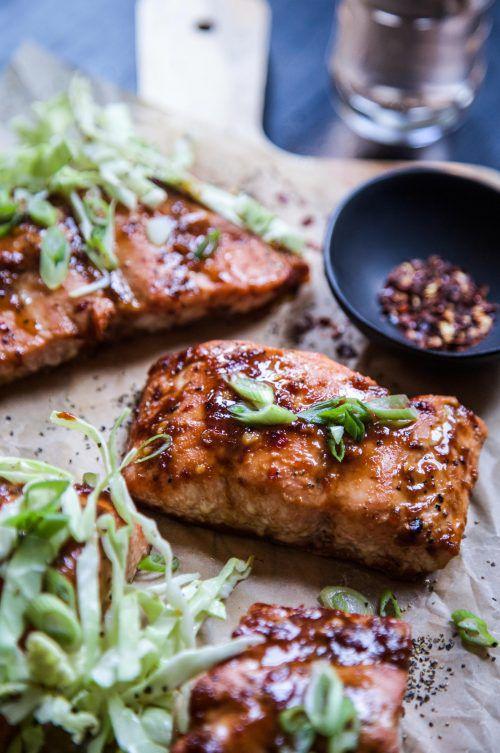 酥脆三文鱼配卷心菜沙拉 菜谱   赛厨易
