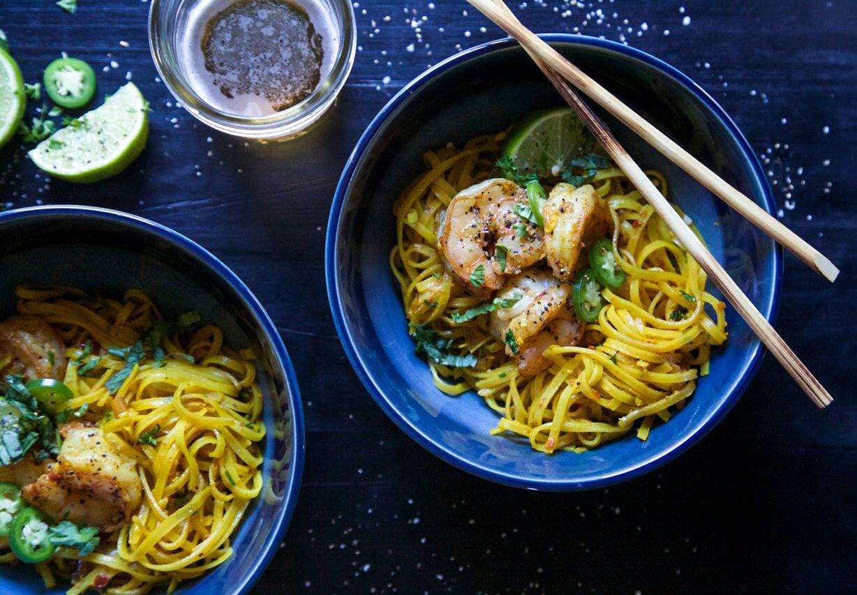 姜黄面条和姜蒜虾 菜谱 | 赛厨易